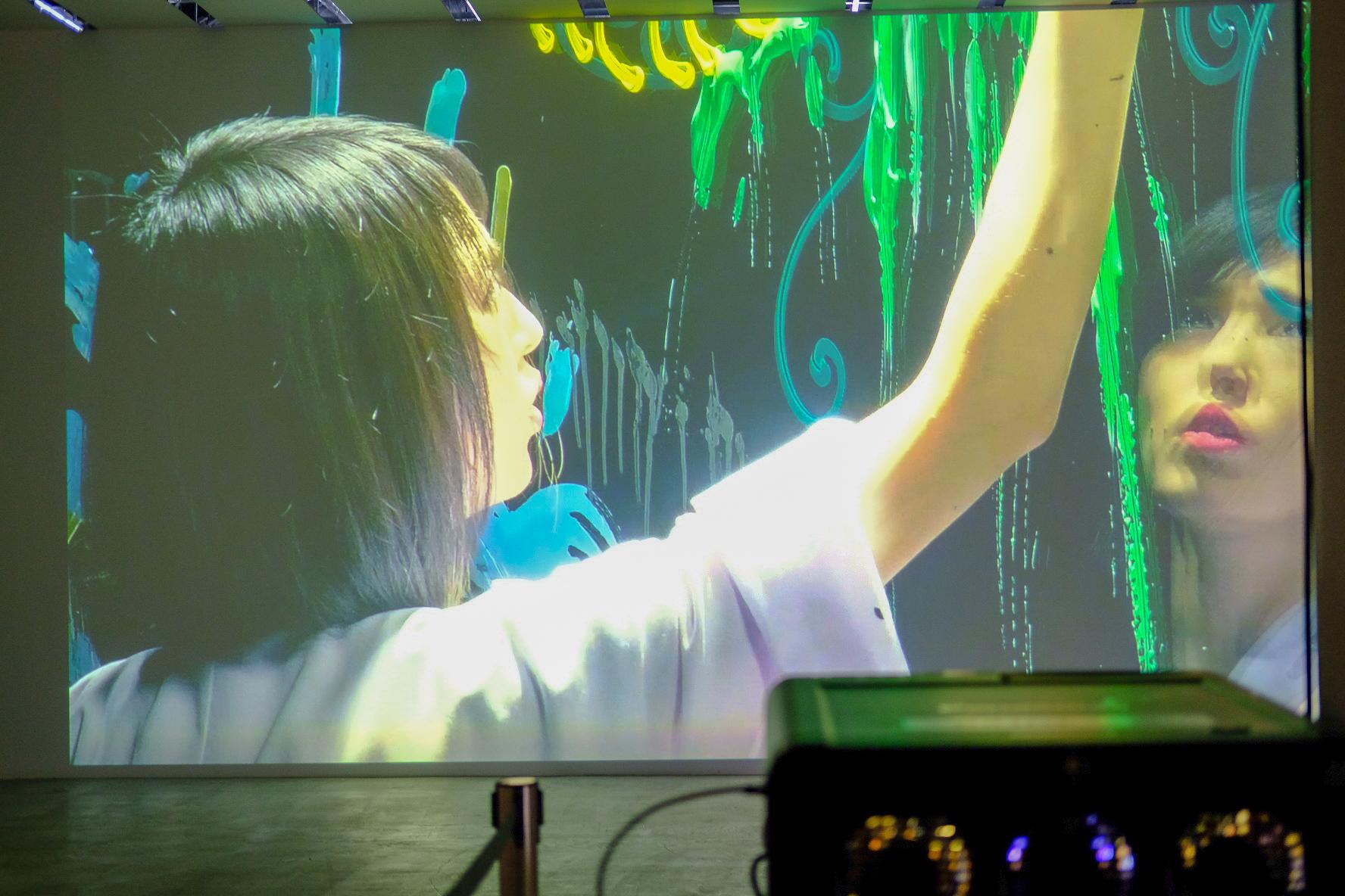 小松美羽の個展(大回顧展・軽井沢)へ!魂でストーリーを感じた